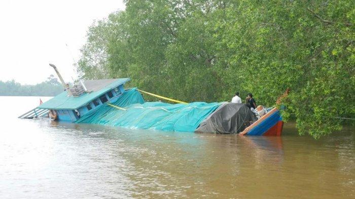 STORY - Kapal Karam Ibarat Durian Runtuh Bagi Warga di Sungai Apit Riau