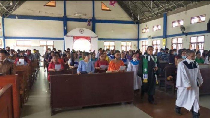 Terapkan Prokes Ketat, Ibadah Natal di Riau Berlangsung Khidmat