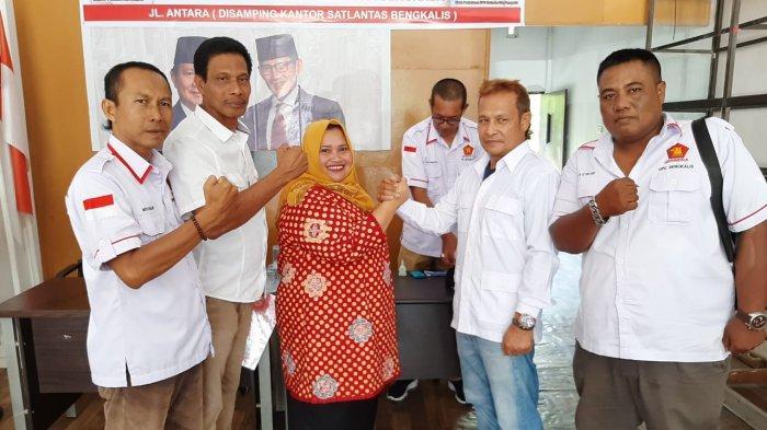 Sudah 3 Orang Kembalikan Formulir Penjaringan Calon Bupati Gerindra, Kasmarni Optimis Pilkada 2020