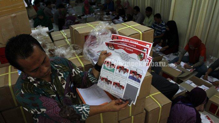679 Surat Suara Rusak di KPU Siak Riau
