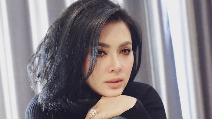 Tubuh Syahrini Pulang ke Indonesia Jadi Sorotan, Makin Montok, Istri ReinoBarack Hamil?