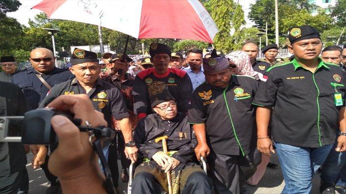 Syarwan Hamid Kembalikan Gelar Adat Melayu 'Saya Berjuang Mendapatkan Gelar Adat Tersebut'