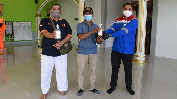 Tangkal Penyebaran Virus Corona di Masyarakat, Pertamina Semprot Disinfektan Rumah Ibadah dan Fasum