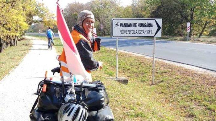 Tasman dan Joko Sudah Tiba di Hongaria. Dua Kakek Pesepeda Telusuri Sungai Donau Sejak Vienna