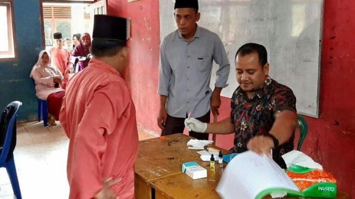 Dosen FKIP Biologi UIR Gelar Pengecekan Golongan Darah di MTS Nurul Hasanah