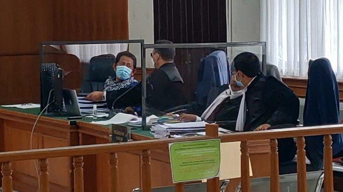 Terdakwa Kasus Korupsi Yan Prana Hadir di Persidangan, Sempat Ditegur Hakim Ketua Karena Minum