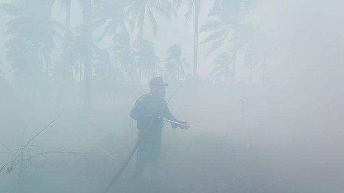 Sesak Nafas Terjebak di Kabut Asap,Naik Speed 2 Jam Jalan ke Lokasi,Pemadaman Karhutla di Pelalawan