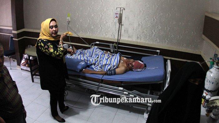 Dirawat Intensif, KondisiTerkini Kompol Farid Korban Bacok Saat Penyerangan Mapolda Riau
