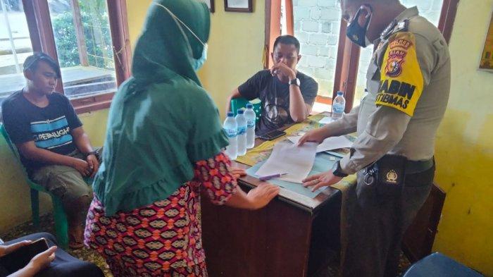 Tertangkap Basah Lakukan Perzinahan, Terduga Pelaku di Rohil Bayar Denda Adat 1 Ekor Sapi