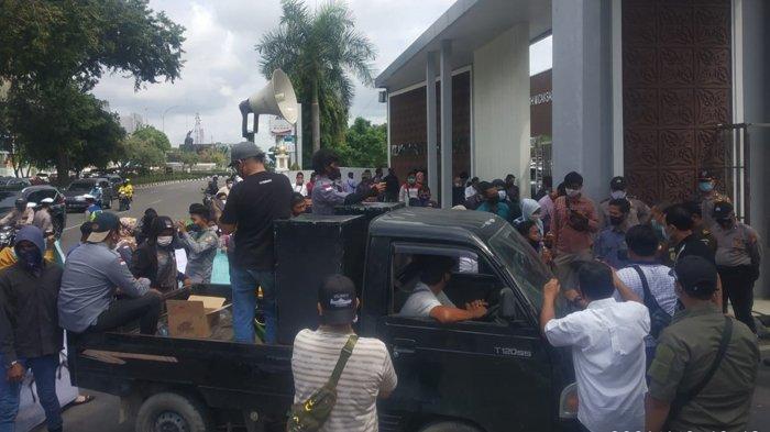 Kontrak Kerja Tak Diperpanjang, Ratusan THL DLHK Pekanbaru Mengadu Ke Kejati Riau