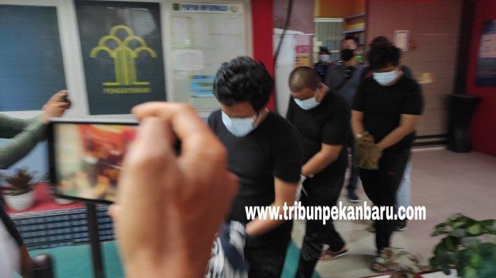 BREAKING NEWS: 6 Orang Narapidana Narkoba di Riau Dipindahkan ke Lapas Nusakambangan