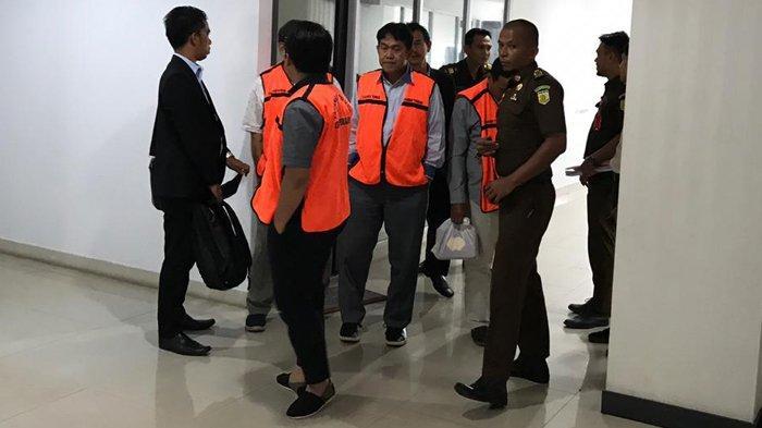 9 Jaksa Penuntut Umum akan Mendakwa Tiga Orang Dokter BLUD RSUD Arifin Achmad di PN Pekanbaru
