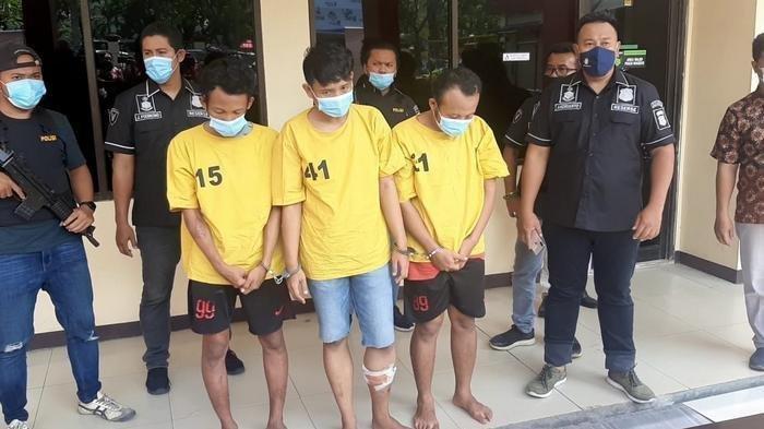 3 Pelaku Begal Ponsel yang Viral Beraksi di Gang Sempit Tertangkap, Satu Pelaku  Ditembak Kakinya