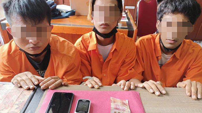 Tak Sadar Diintai Saat Transaksi,3 Pria Diciduk Tim Opsnal Polres Siak