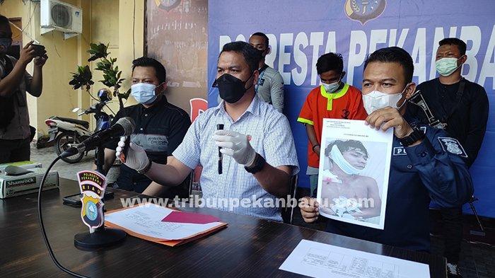 Foto : Buruh Bangunan Tewas Ditikam Rekannya, Gara-gara Ucapan yang Dianggap Menantang - tikam-buruh-bangunan-pekanbaru.jpg
