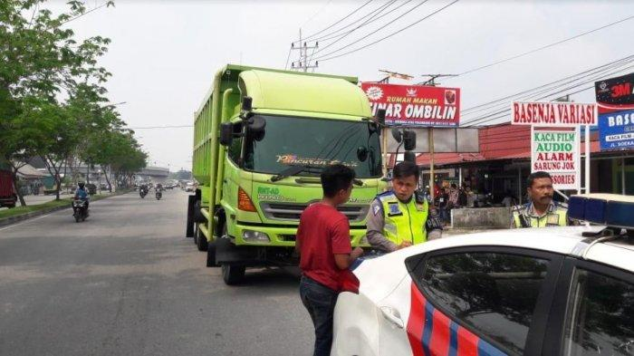 Ratusan Pelanggar Lalu lintas di Pekanbaru Ditilang, Termasuk Truk Masuk Kota