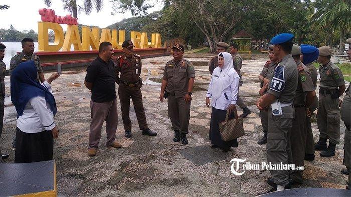 Jelang Penilaian Adipura, Tim Gabungan Satpol PP Inhu Riau Gelar Sosialisasi ke Pedagang Kaki Lima
