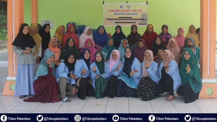 Tim Pengabdian Universitas Riau Gelar Pelatihan Pengolahan Makanan Berbahan Ikan Bagi Ibu-ibu PKK