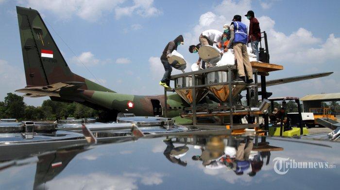Karhutla di Riau, Proses Hujan Buatan di Riau Mulai Dilakukan, 800 Kilogram Garam Disemai