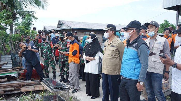 Longsor Bikin 8 KK di Inhil Kehilangan Rumah, Kepala BPBD Riau Kunjungi Korban, Ini yang Dijanjikan