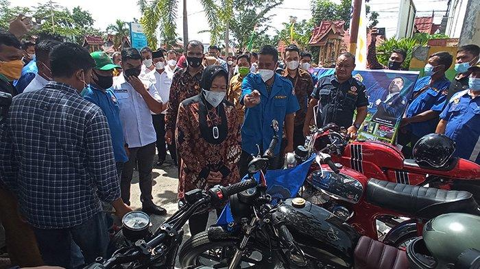 FOTO : Kunjungan Mensos Risma di Pekanbaru - tri-rismaharini-ke-rumbai.jpg