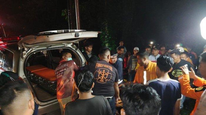 Truk Hino Masuk Jurang dan Terbakar di Kelok Sembilan, Alami Patah Pinggang Supir Dievakuasi