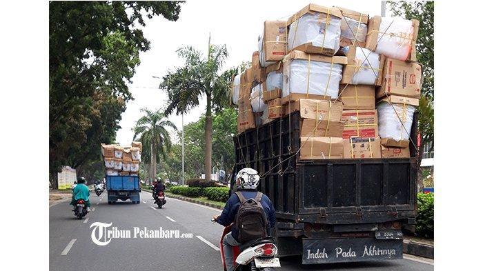 Kendaraan Odol Masih Bebas Melintas di Jalur Perbatasan, DPRD Pekanbaru Pertanyakan Pengawasannya