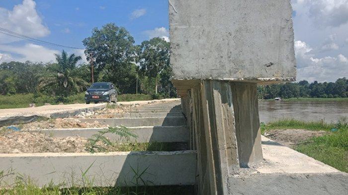 Kejati Riau Tetapkan 2 Tersangka Kasus Robohnya Turap Danau Tajwid Pelalawan, Termasuk Plt Kadis PU
