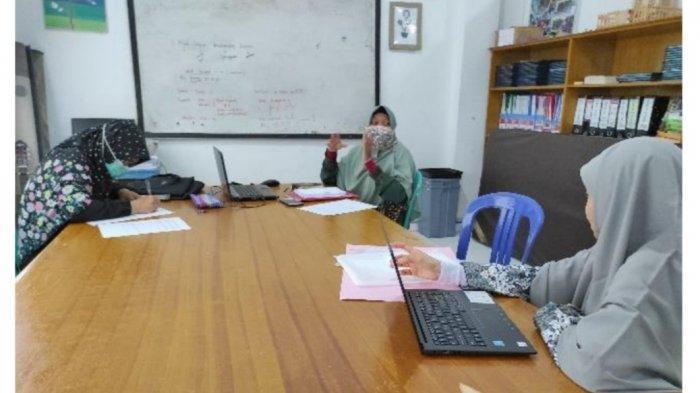 UIR Beri Pelatihan Penggunaan Virtual Laboratory Bagi Guru IPA SMP Swasta Pekanbaru