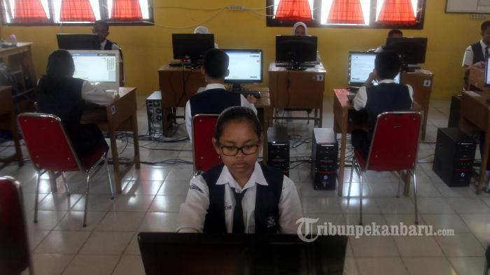 Hari Terakhir Ujian Nasional Tingkat SMP Lancar