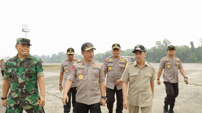 Usai Tinjau Karhutla Pelalawan, Gubernur Riau Syamsuar Sebut 109 Sumur Minyak Dekat Lokasi Kebakaran