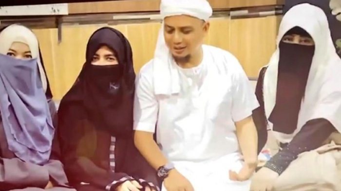 VIDEO: Dalam Dua Bulan, Ustaz Arifin Ilham Sembuh dari Kanker Stadium 4A, Dokternya Pun Terkejut