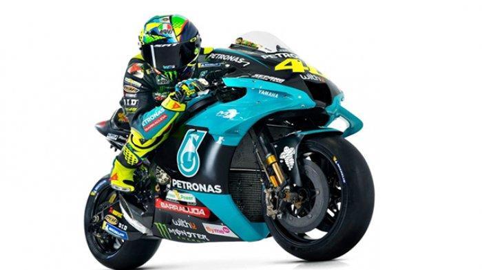 Valentino Rossi bersama tunggangan barunya di tim Petronas untuk MotoGP musim ini.