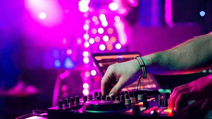 DOWNLOAD Lagu Booma Booma Ye: DJ Tiktok Booma Booma Ye X Tarik Sist Semongko