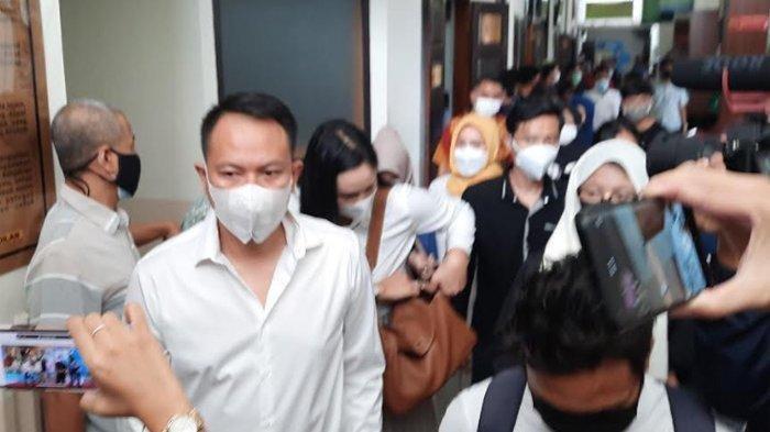 Terbukti Bersalah, Vicky Prasetyo Divonis 4 Bulan Penjara Kasus Pencemaran Nama Baik Angel Lelga