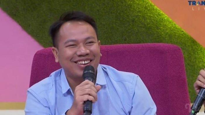 Di Rumah Saja Saat Wabah Corona, Vicky Prasetyo Hanya Bertemu Via Video Call dengan Jenita Janet