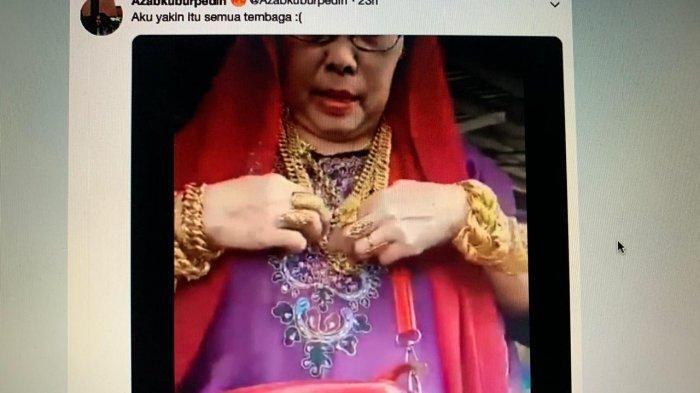 Video Emak Bugis Pakai Emas 3 Kilo Viral, 7 Gelang di Tangan, Leher Dua Kalung Besar, Lihat Lainnya!