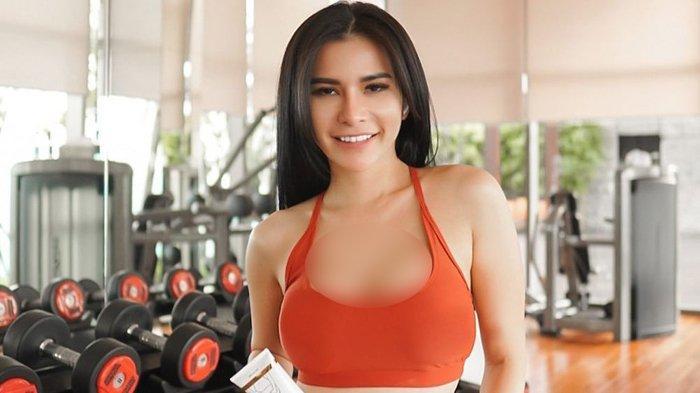 Viral TikTok Video Maria Vania Buka Baju hingga Daleman Kelihatan, Netizen Nyuruh Tobat
