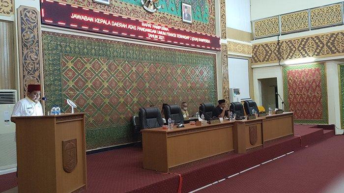Dewan Soroti Jumlah Honorer yang Capai 5.700 Orang, Ini Jawaban Wabup Pelalawan di Paripurna RPJMD