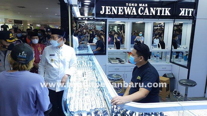 FOTO : Wali Kota Pekanbaru Tinjau Aktivitas di Sukaramai Trade Center - wako-pekanbaru-tinjau-stc.jpg