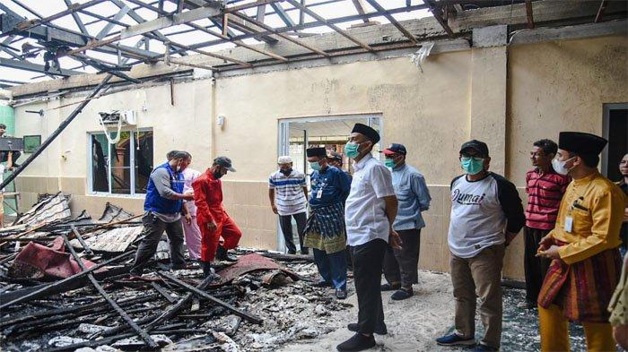 Tinjau Lokasi Kebakaran Wali Kota Dumai Paisal Janji Carikan Solusi Bantu Korban