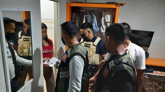 Wanita Hamil Bareng 3 Pria di Kamar Homestay di Riau Terciduk Satpol PP, Lagi Ngapain? Mau Tahu Aja