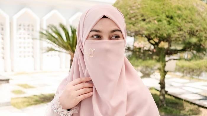 Ini Sosok Wardah Maulina, Wanita yang Izinkan Suami Poligami, Namun Natta Reza Tak Mau