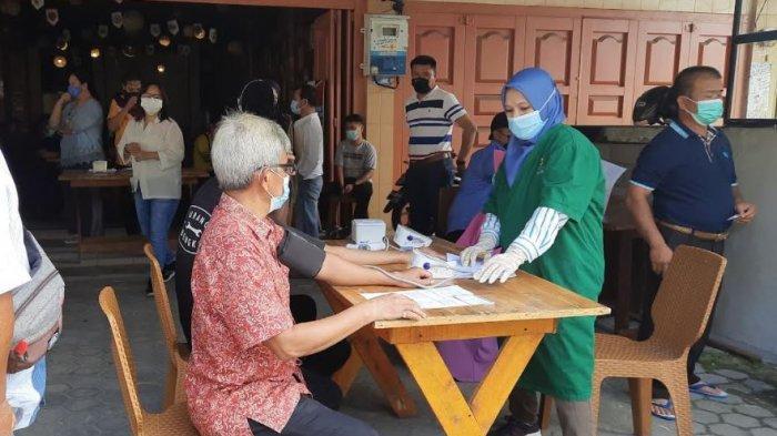 Difasilitasi Abege Cafe and Pool, Warga Marpoyan Damai Antusias Ikuti Vaksinasi