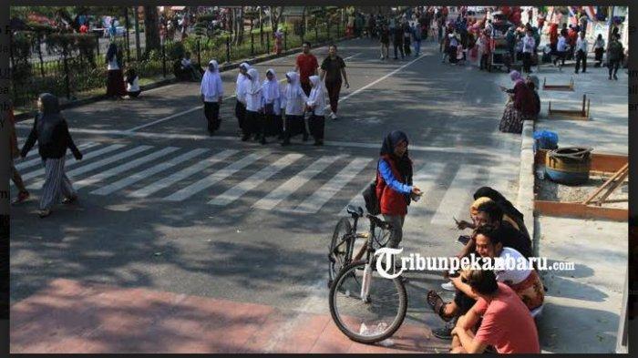 Sempat Ditiadakan Minggu Lalu Karena Asap Karhutla, Kini HBKB Pekanbaru, Riau Diaktifkan Kembali - warga-meramaikan-areal-cfd-pekanbaru.jpg