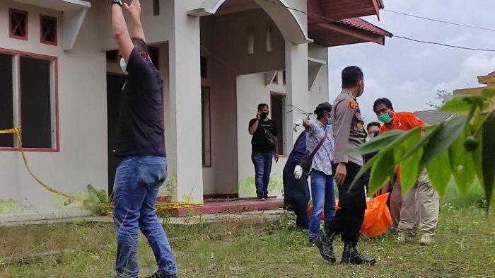 BREAKING NEWS: Warga Parit Indah Pekanbaru Kaget, Mayat Pria Ditemukan Hangus Terbakar