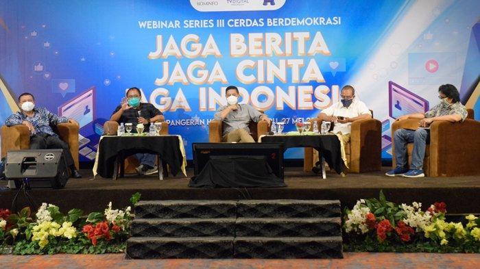 Webinar Kemenkominfo Jaga Berita, Jaga Cinta, Jaga Indonesia : Cara Mendulang Klik Tanpa Konflik