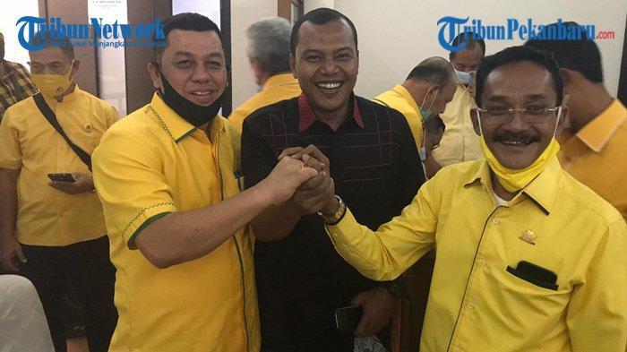 Wefie dengan Bapaslon Lawan: Ketua Tim Pemenangan Petahana Beralih Hati? Dukungan Demokrat Beralih?