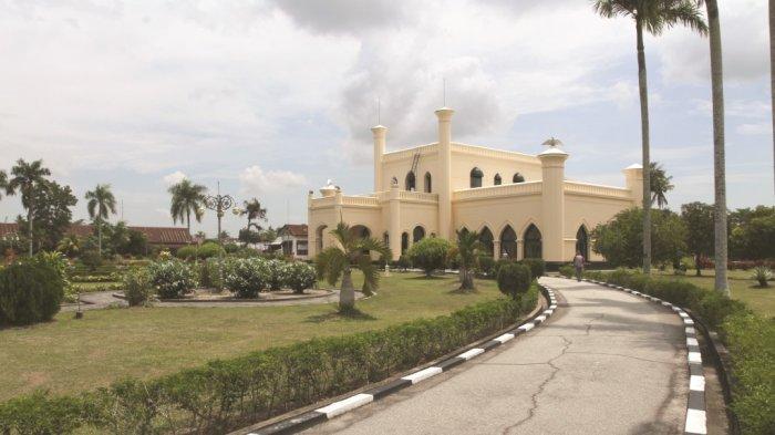 Wisata Sejarah Istana Siak, Koleksi Peninggalan Sultan Awet dan Terawat