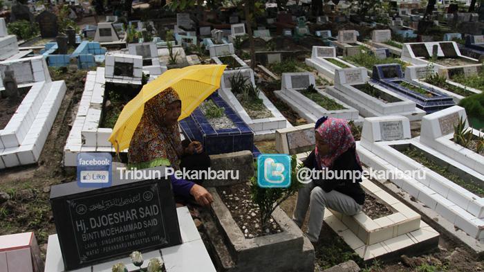 Bacaan DoaZiarahKubur Sebelum Ramadhan, Tata Cara Ziarah Kubur Beserta Adab Ziarah Kubur